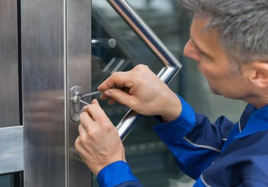 Barnes' Locksmith Service
