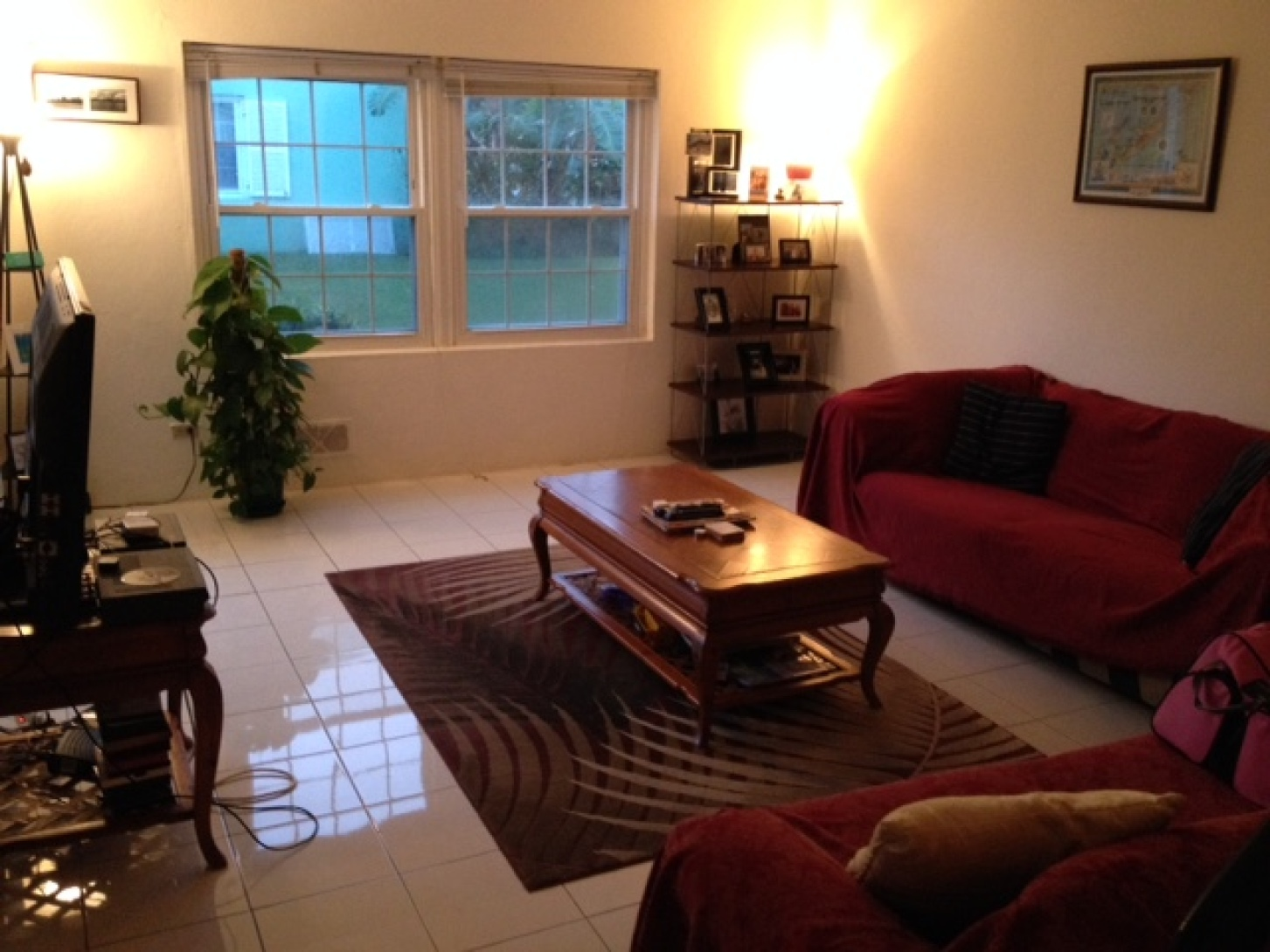 Large 2 Bedroom Apartment for rent - 5 mins from town, shared pool